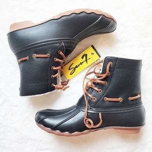 SOLD! Seven7 boots